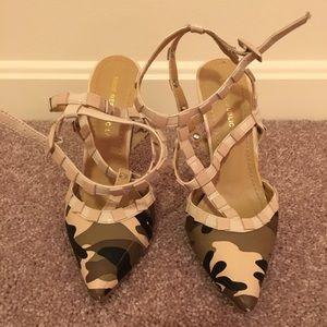 SHOE REPUBLIC LA Pointy Toe Studded Camo Heels